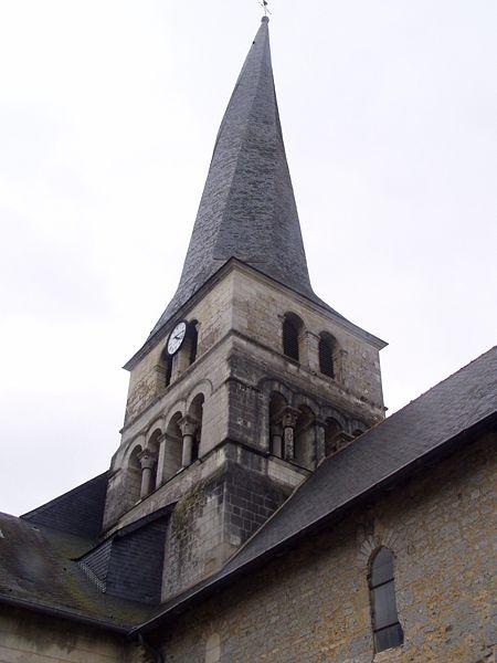 450px-Le_Vieil_Baugé_clocher.jpg